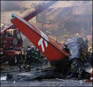 Flygplan exploderade vid start