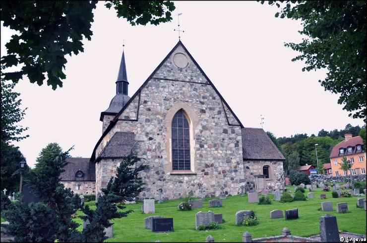 Botkyrka kyrka – Dagens Bilder